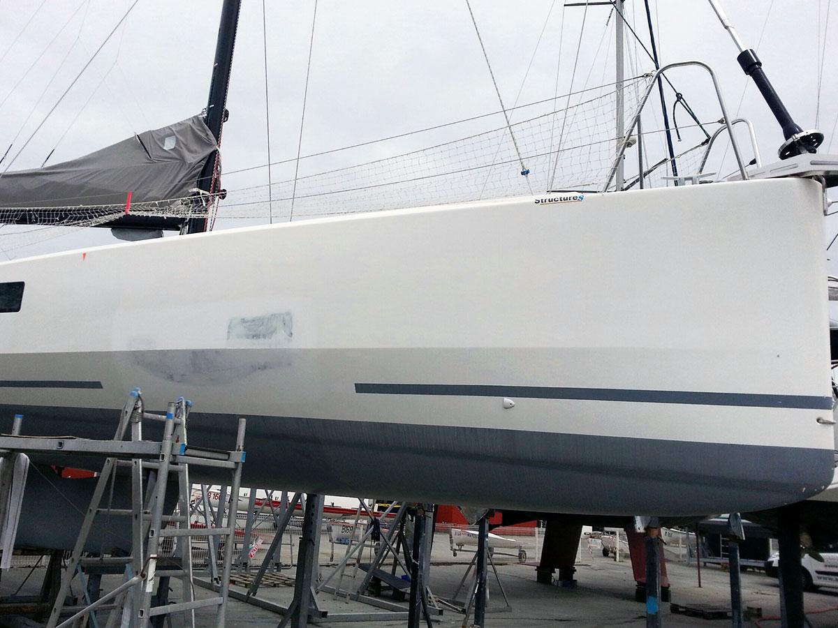 14-pogo_12.50-avarie-sinistre-pendant_reparation-choc_franc_bord-atout_nautisme-chantier_naval_lorient