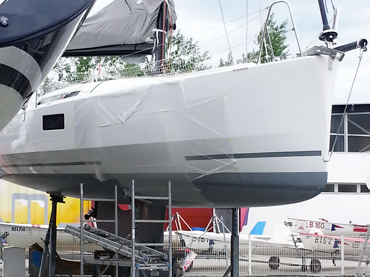 15-pogo_12.50-avarie-sinistre-pendant_reparation-choc_franc_bord-atout_nautisme-chantier_naval_lorient