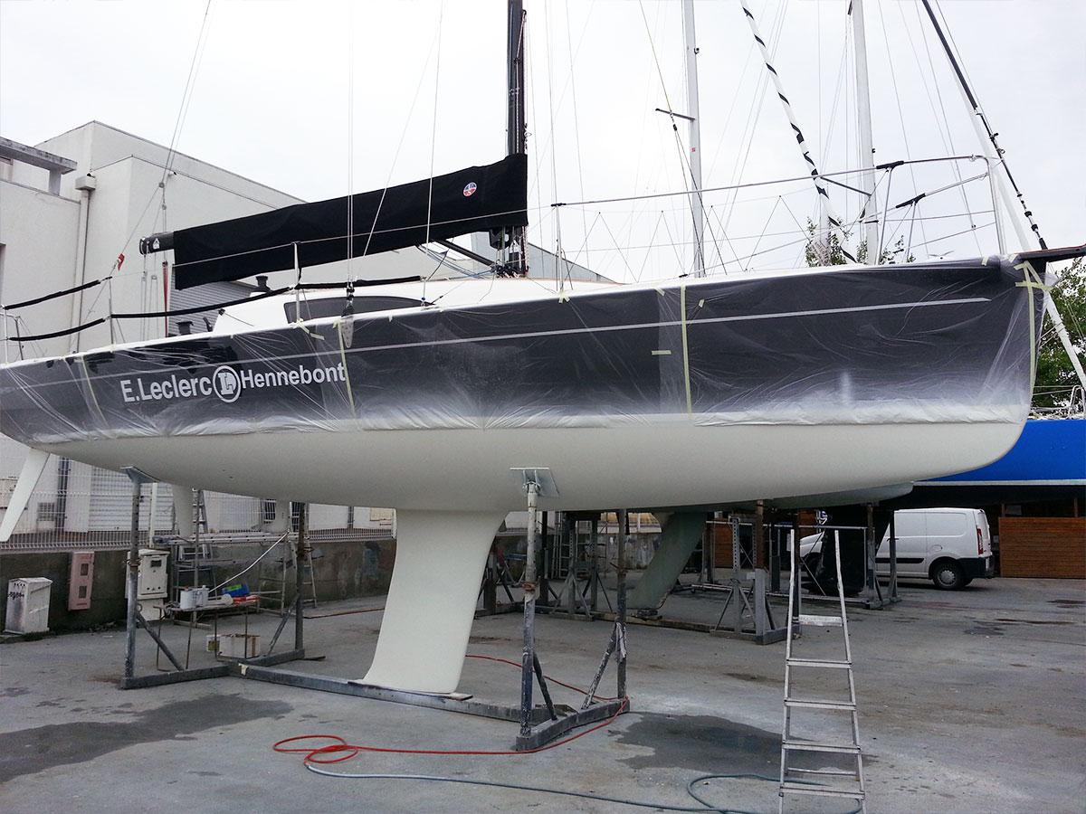 JPK 10.10 - préparation course avant départ Transquadra - bateau vainqueur 2 eme étape - atout nautisme - chantier naval lorient